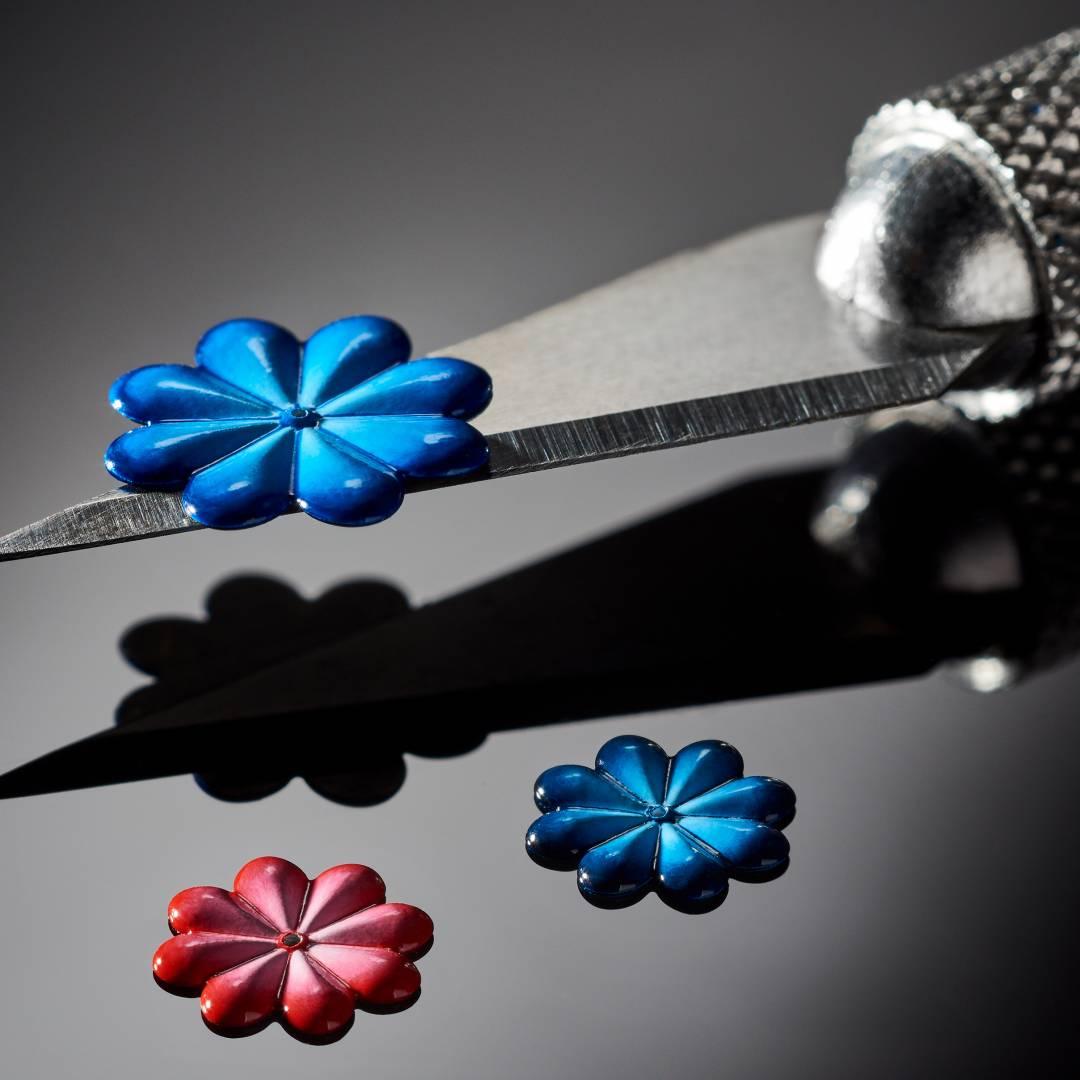 peinture sur métal fleur miniature cadran de montre haute horlogerie mastergraff floral tourbillon - Manufacto
